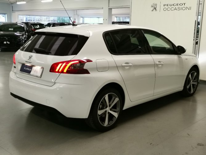 Peugeot 308 2a serie STYLE Ø 1.5 HDI 130 5p 10