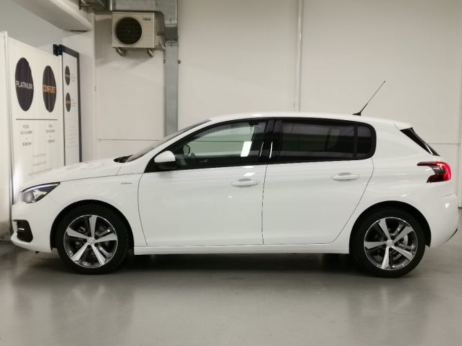 Peugeot 308 2a serie STYLE Ø 1.5 HDI 130 5p 43