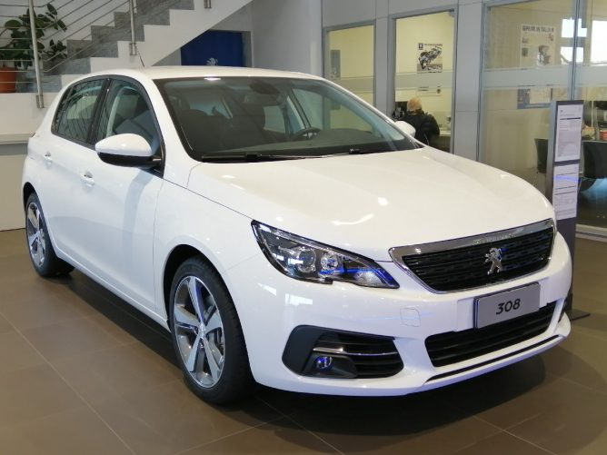 Peugeot 308 BlueHDi 130 EAT6 S&S - Active 0
