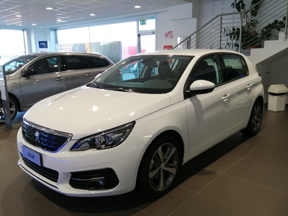 Peugeot 308 BlueHDi 130 EAT6 S&S - Active