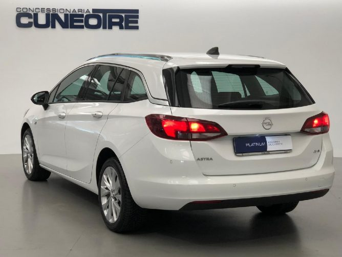 Opel Astra 1.6 CDTi 110CV Start&Stop Sports Tourer Innovation 16